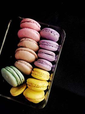RECIPE: Easy French Macarons | WanderBitesByBobbie